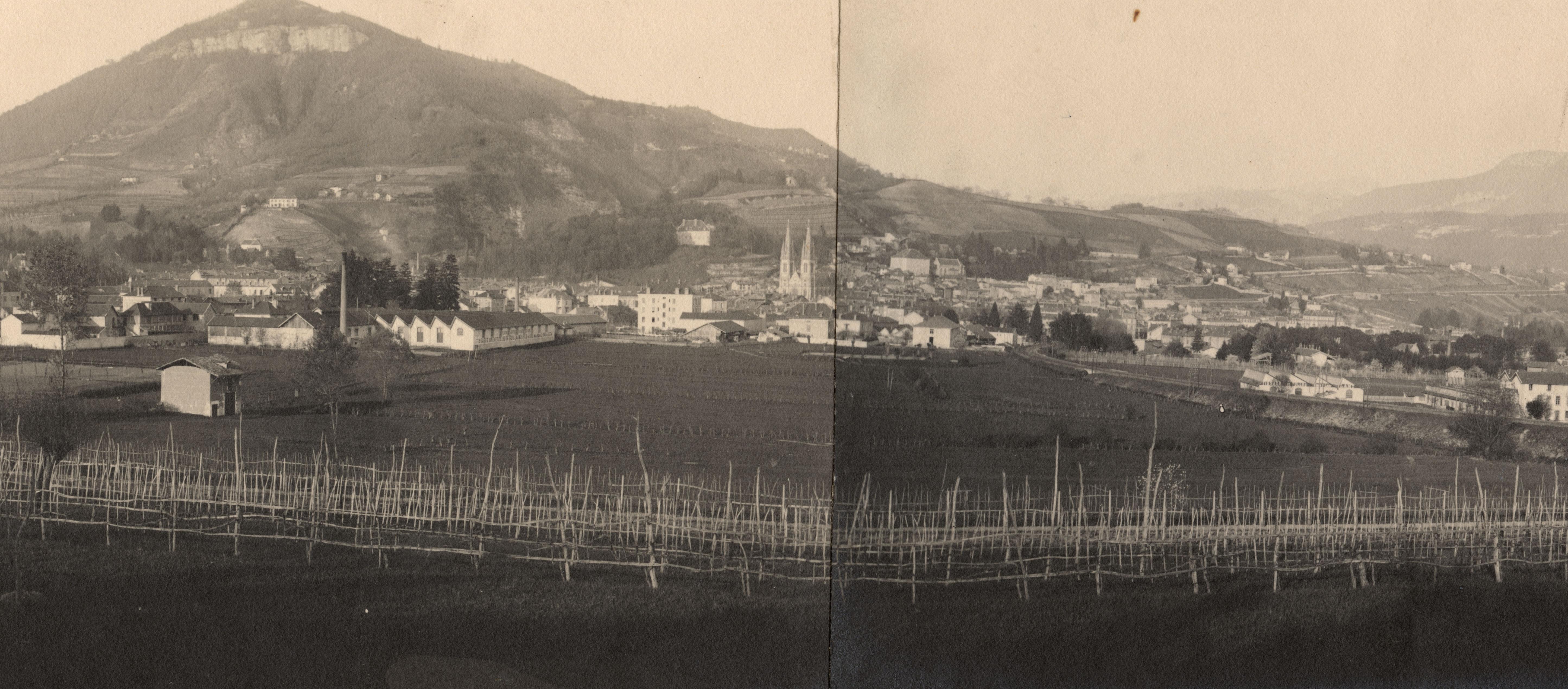 Voiron depuis l'ouest, photographie vers 1920 (Coll. musée dauphinois).